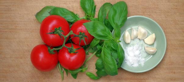 Tomates, basilique ail